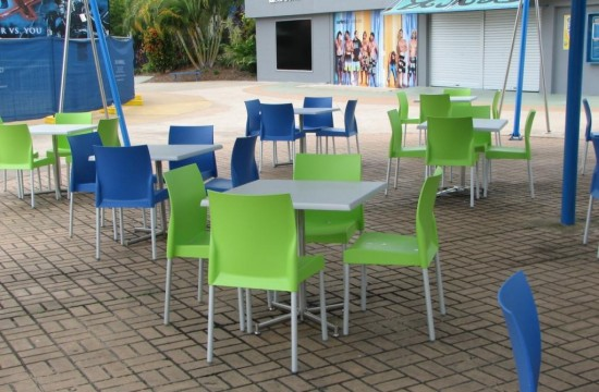 Dreamworld outdoor Tables and Chairs IMG_0121