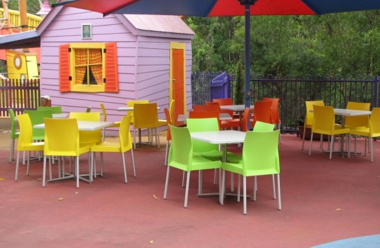 Outdoor Tables and Chairs Dreamworld IMG_0115