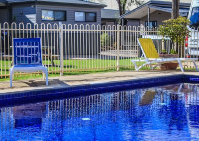 Big 4 Mildura Getaway Holiday Park - Pacific Sunlounger in White/Yellow & White/Turquoise - Image 1