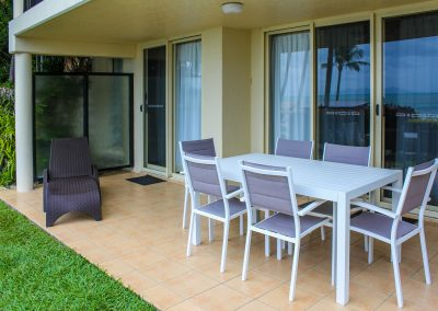 Rose Bay Resort – Bowen - Fiji Sunlounger - Image 1