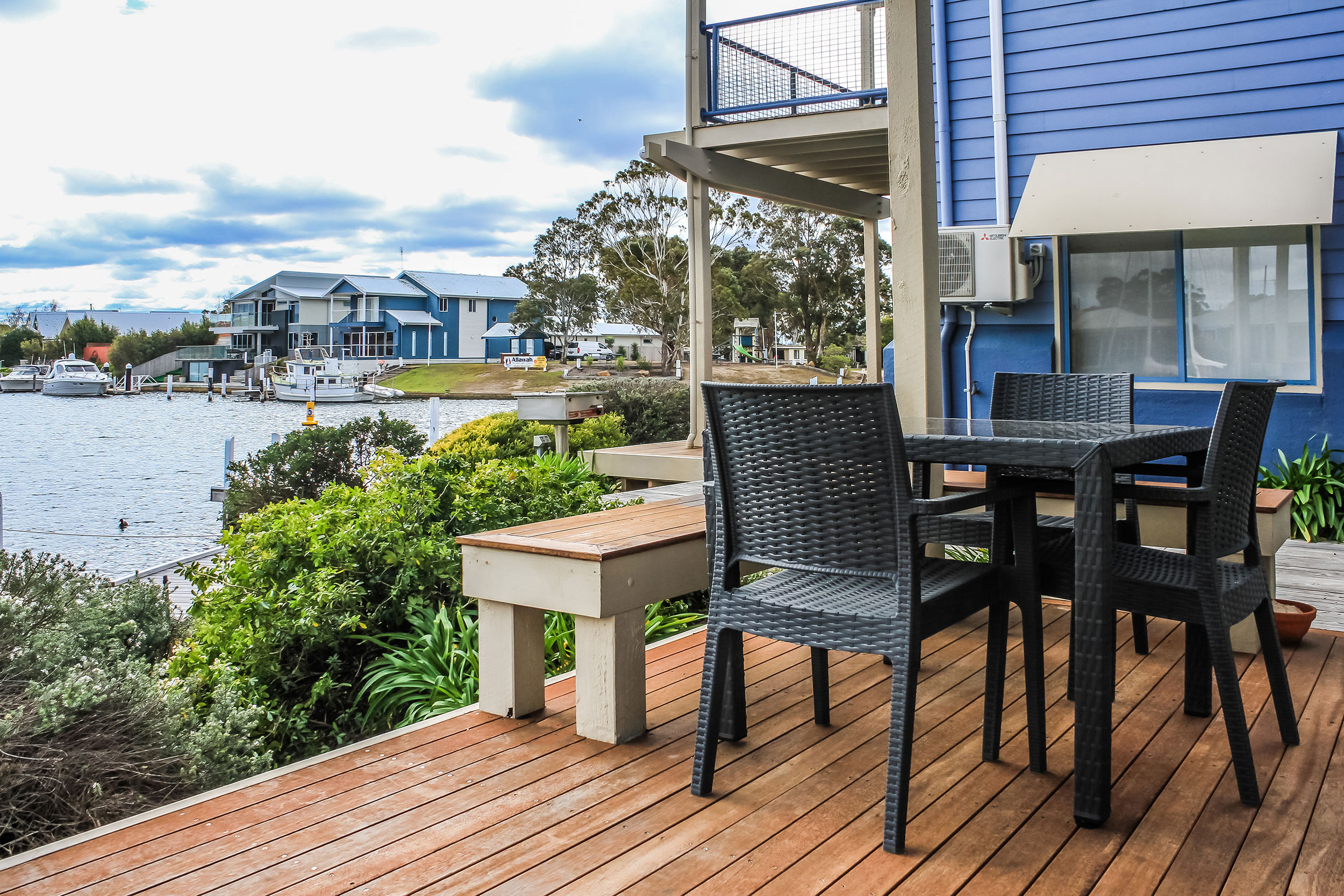 Name : Captains Cove Resort – Paynesville, VIC