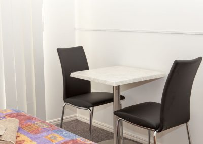 Cleveland Motor Inn Table & Chairs image 3