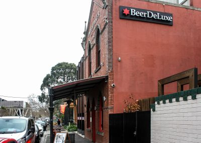 Beer Deluxe Hawthorn - Outside
