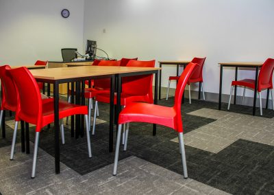 RMIT Education Table & Chair - Image 16