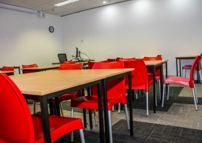 RMIT Education Table & Chair - Image 11