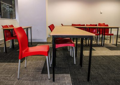 RMIT Education Table & Chair - Image 8