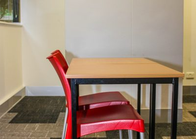 RMIT Education Table & Chair - Image 7