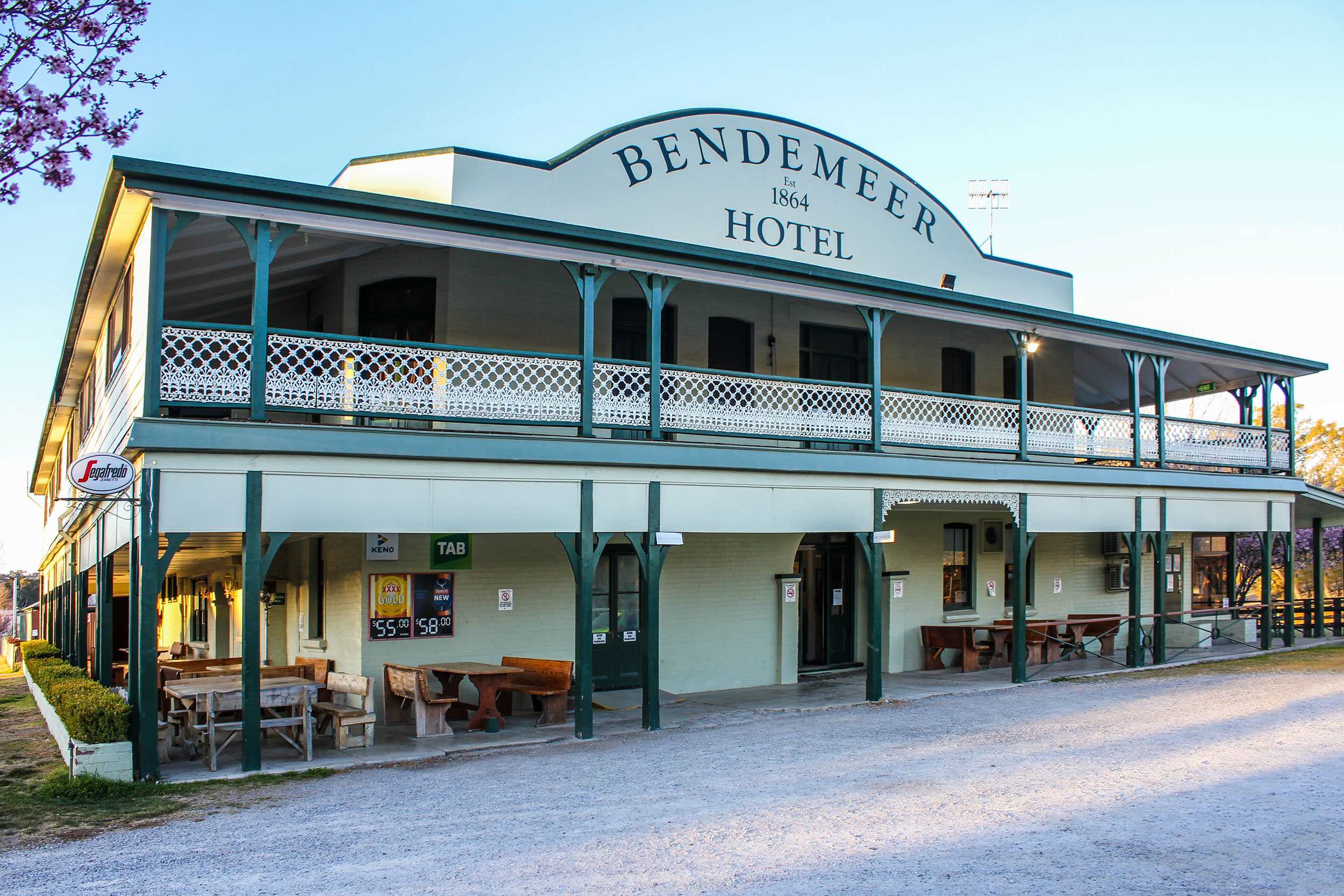 Name : Bendemeer Hotel - Bendemeer, NSW
