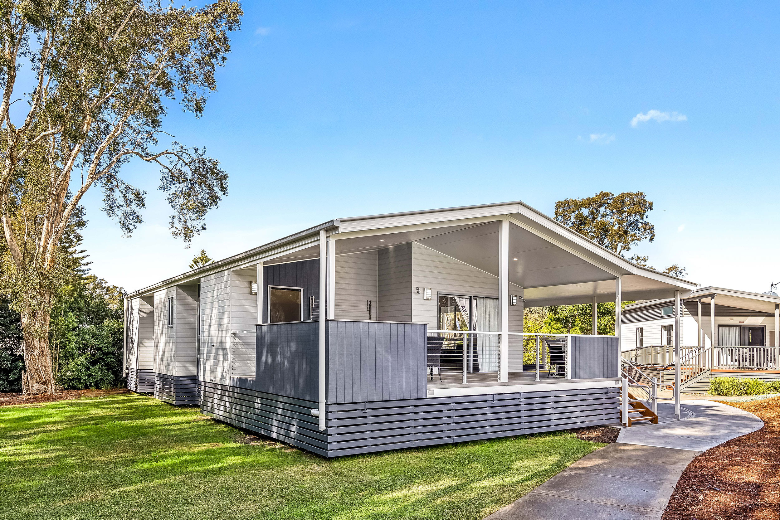 Name : Lake Mac Holiday Parks - Inclusive Cabins